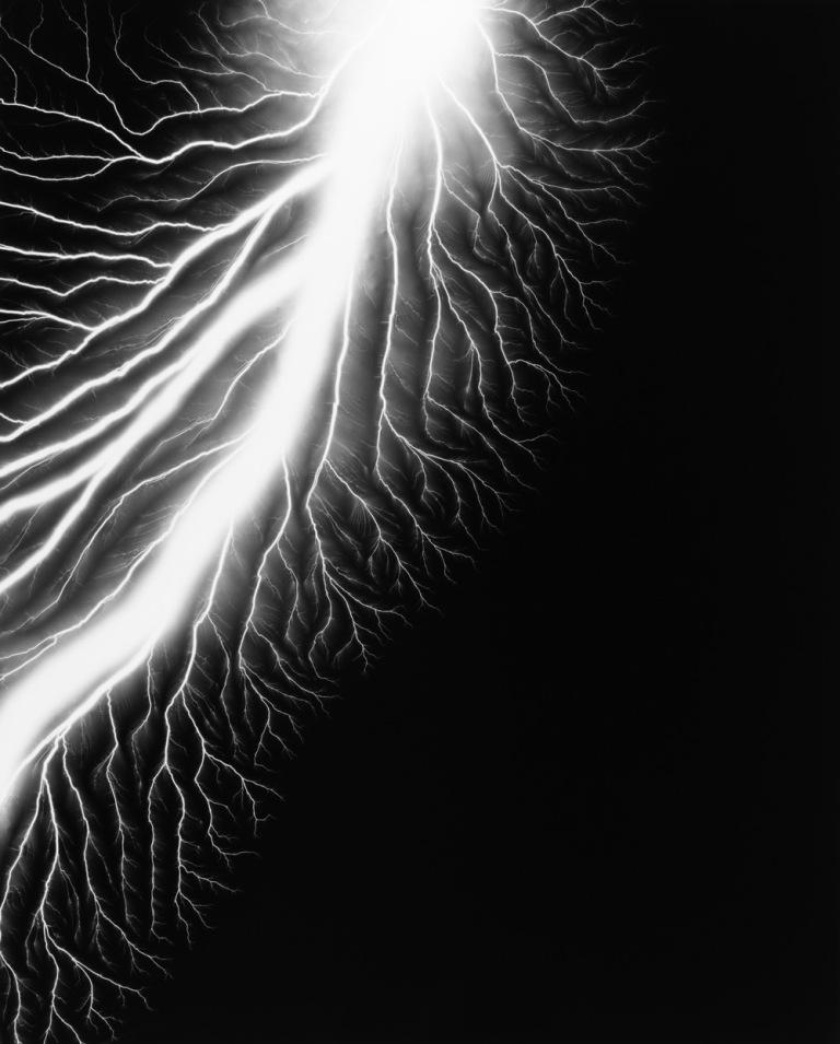 hiroshi-sugimoto-lightning-fields-226.jpg