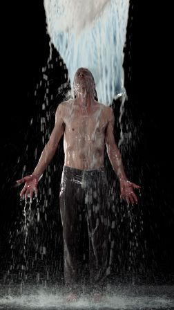 Bill-Viola-.-Inverted-Birth-.-2014-4